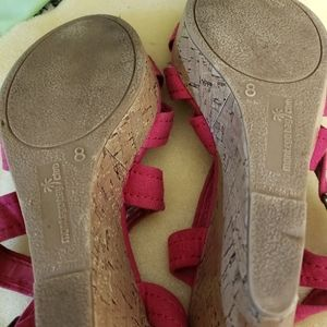 Shoes - Cute pair of hot pink sandals size 8